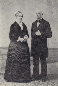 1890年横浜で撮影されたヘボン夫妻の金婚式の記念写真